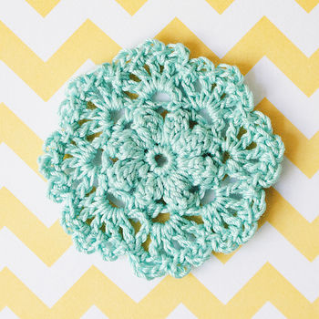 Lovely little brooches to adorn your sweetest projects (or yourself!). .  Free tutorial with pictures on how to stitch a knit or crochet brooch in under 30 minutes by jewelrymaking and crocheting with crochet hook, yarn needle, and crochet thread. How To posted by goodknits. Difficulty: Simple. Cost: Absolutley free. Steps: 2