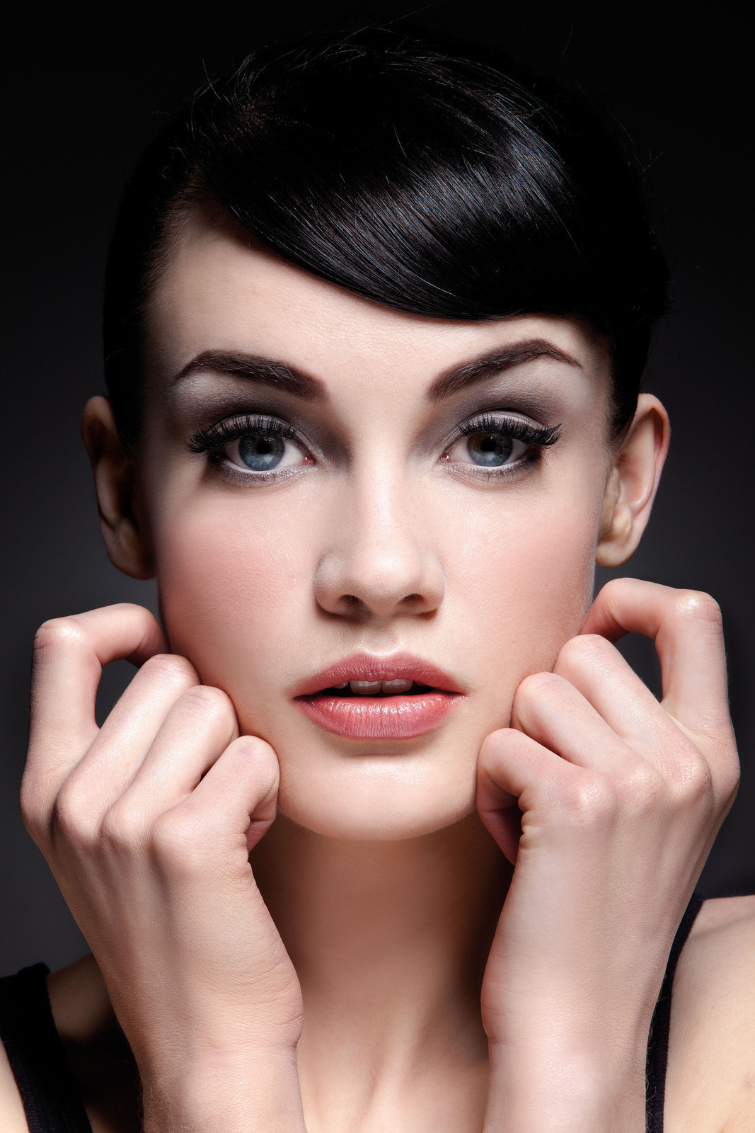 Make Up Fashion And 50 Shades Of Pink: Audrey Hepburn · Extract From Jemma Kidd Make-Up Secrets