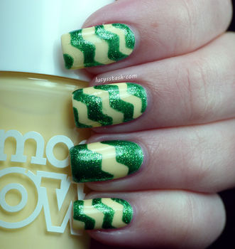 Create interesting and original nail art ! .  Free tutorial with pictures on how to paint patterned nail art in under 20 minutes by nail painting with nail polish. Inspired by chevron. How To posted by Lucy's Stash. Difficulty: 4/5. Cost: Cheap. Steps: 6