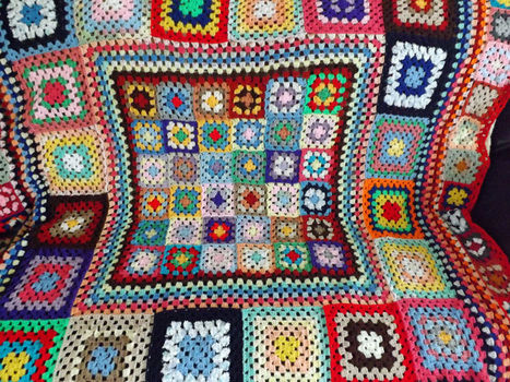 Thifty Blanket .  Crochet a granny square blanket in under 1 minutes by crocheting with crochet hook and wool. Creation posted by PixieFey. Difficulty: Easy. Cost: No cost.