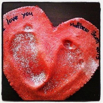 I <3 You .  Mold a clay model in under 135 minutes by baking, molding, and not sewing with flour, food coloring, and marker. Inspired by babies, for dads, and valentine's day. Creation posted by PinkWeeds.  in the Decorating section Difficulty: Simple. Cost: No cost.