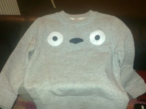 Embellish a plain grey jumper for this awesome Totoro jumper .  Free tutorial with pictures on how to make a baby costume in under 40 minutes by needleworking and sewing with felt and jumper. Inspired by kids, anime & manga, and cartoons. How To posted by susie. Difficulty: Easy. Cost: Absolutley free. Steps: 1