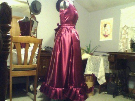 How to copy a historical dress, the simple way. .  Free tutorial with pictures on how to make a gown in 21 steps by sewing and dressmaking with fabric, zipper, and sewing needle. Inspired by halloween, gothic, and steampunk. How To posted by llJulie. Difficulty: 3/5. Cost: Cheap.