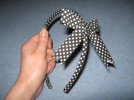 Polka dot alice band hair bow .  Make a bow headband in under 110 minutes by hairstyling and sewing with ribbon, needle and thread, and hair band. Inspired by vintage & retro and clothes & accessories. Creation posted by Kez N.  in the Jewelry section Difficulty: 4/5. Cost: Cheap.