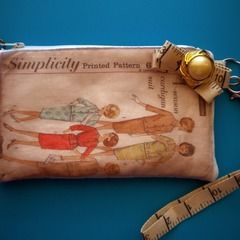 Vintage Pattern Wristlet