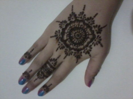 Henna design :) .  Paint a henna tattoo in under 60 minutes by creating, drawing, applying makeup, and decorating with henna. Inspired by gothic and flowers. Creation posted by FIA M. Difficulty: Easy. Cost: No cost.