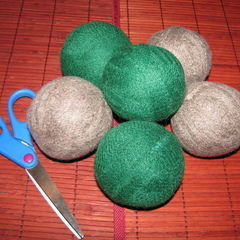 $1 Wool Dryer Balls Using Salvaged Sweaters!