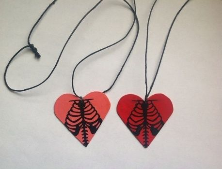 .  Make a recycled necklace by drawing, spraypainting, and jewelrymaking Inspired by halloween, gothic, and hearts. Version posted by DarkAshHurts. Difficulty: Simple. Cost: Absolutley free.
