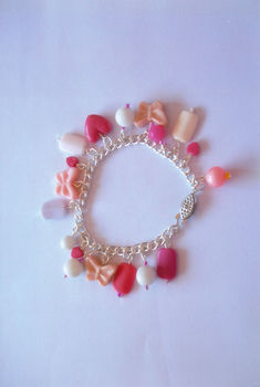 Girly .  Make a beaded charm bracelet in under 120 minutes by beading and jewelrymaking with beads, chain, and clasps. Creation posted by .  in the Jewelry section Difficulty: Simple. Cost: Cheap.