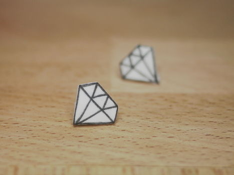While I wait for some real diamonds these will do! .  Free tutorial with pictures on how to make a pair of shrink plastic earrings in under 45 minutes by jewelrymaking with super glue, craft knife, and oven bake clay. How To posted by Nikki B.  in the Jewelry section Difficulty: Simple. Cost: Cheap. Steps: 10