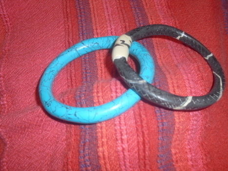 Bracelets for a gift .  Make a clay bangle in under 60 minutes by jewelrymaking with oven, fimo, and fimo. Inspired by clothes & accessories. Creation posted by Sílvia.  in the Jewelry section Difficulty: Easy. Cost: Cheap.