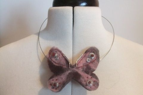 Felted necklace .  Free tutorial with pictures on how to make a pendant necklace in under 120 minutes by wireworking, felting, and jewelrymaking with beads, wire, and pliers. Inspired by butterflies. How To posted by Gemma T.  in the Jewelry section Difficulty: 3/5. Cost: 3/5. Steps: 6
