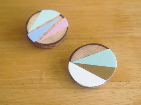 Brighten up a bag or top with a colourful brooch .  Free tutorial with pictures on how to make a wooden brooch in under 120 minutes by jewelrymaking with paint, paint brush, and pencil. Inspired by geometric. How To posted by Nikki B. Difficulty: Simple. Cost: Cheap. Steps: 10