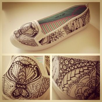 No expectations - just let your creativity flow..one stroke at a time. .  Free tutorial with pictures on how to paint a pair of painted shoes in under 120 minutes by drawing with marker pen and flats. Inspired by kawaii and clothes & accessories. How To posted by Sallamari.  in the Decorating section Difficulty: Easy. Cost: Cheap. Steps: 7