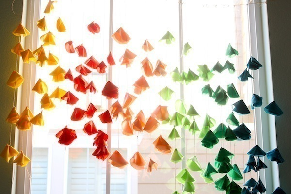 Colorful Flowers Hung Vertically Are Perfect For Your Next Party Free Tutorial With Pictures
