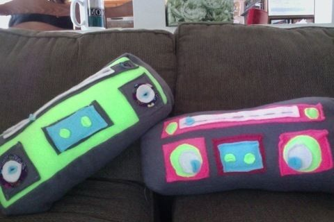 .  Sew a boombox plushie by sewing Inspired by vintage & retro. Version posted by Kate M. Difficulty: 3/5. Cost: Cheap.