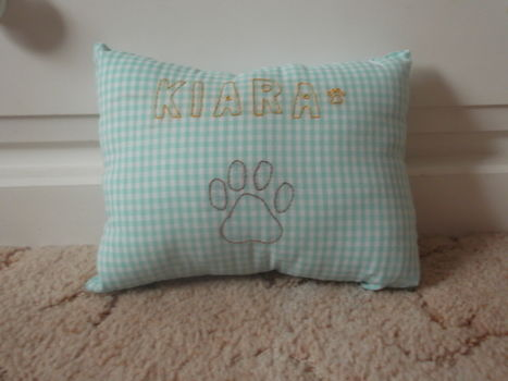 A keepsake pillow that I made for Kiara in a personal swap with GryffindorGrl  .  Make a stitched cushion in under 60 minutes by embroidering, sewing, and embroidering with sewing machine, embroidery thread, and fabric. Inspired by for pets. Creation posted by Mia_Ferry.  in the Needlework section Difficulty: Easy. Cost: Absolutley free.