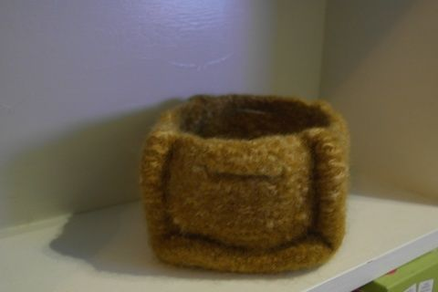 Make something pretty for storaging .  Stitch a knit or crochet basket in under 120 minutes by felting and knitting with knitting needles and wool yarn. Inspired by vintage & retro. Creation posted by Gunhild N. .  in the Yarncraft section Difficulty: Easy. Cost: No cost.