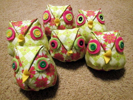 .  Make a bird plushie in under 25 minutes by sewing Inspired by kawaii and owls. Version posted by MamiTig. Difficulty: Simple. Cost: Absolutley free.