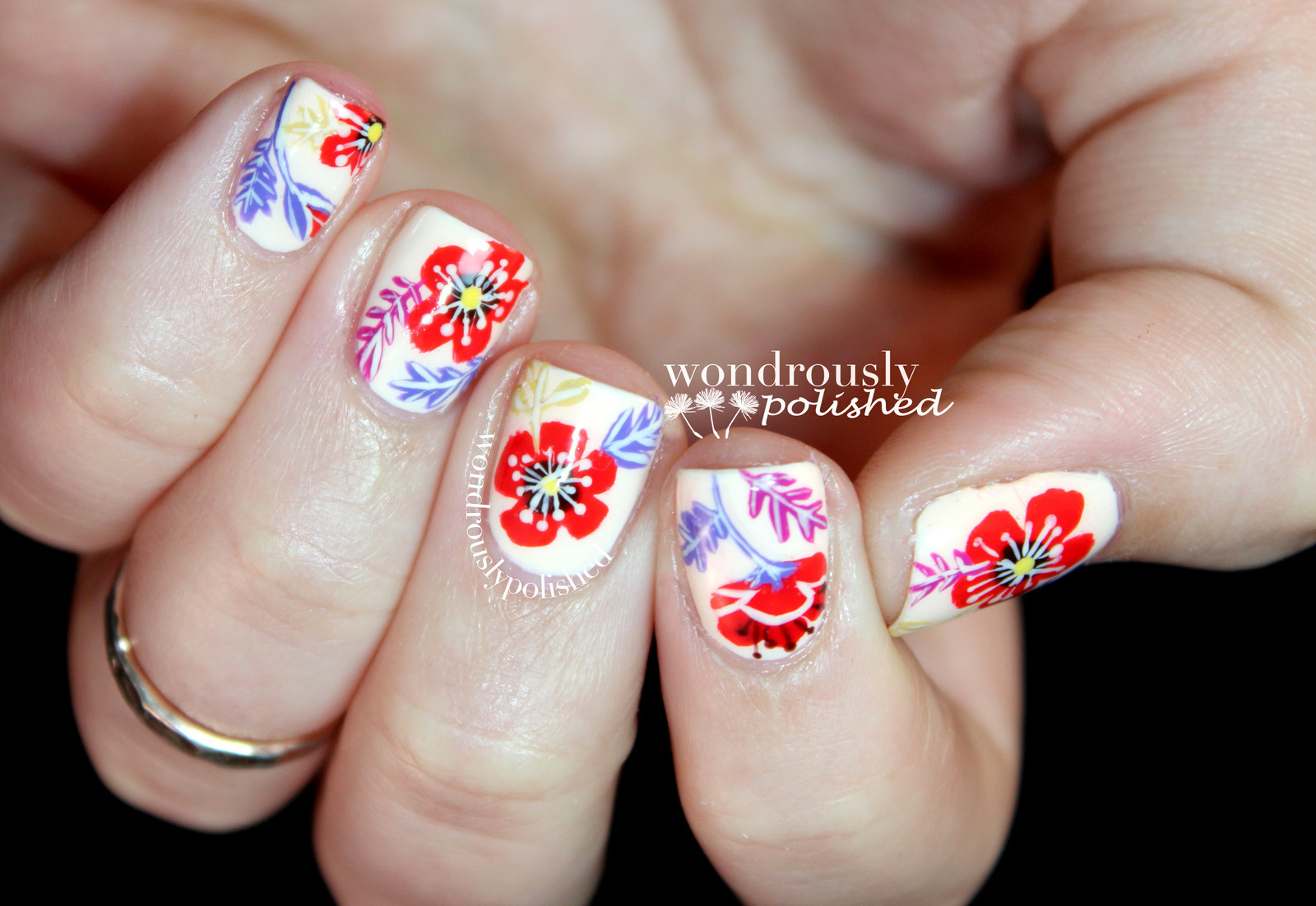 Floral Nail Art How To Paint Patterned Nail Art Nail Painting