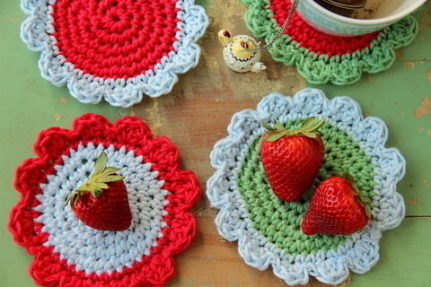 Beautiful crochet coasters, easy to make and perfect as a gift .  Free tutorial with pictures on how to stitch a knit or crochet coaster in under 180 minutes by crocheting with yarn and crochet hook. How To posted by creJJtion. Difficulty: 3/5. Cost: Cheap. Steps: 6