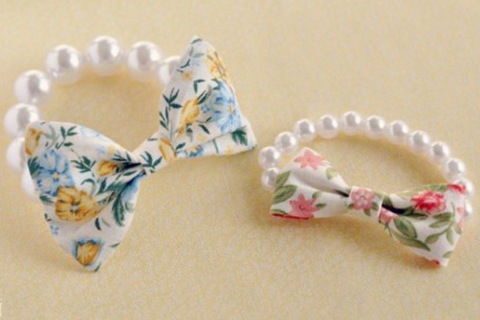 Mother s day jewelry gifts- bow bracelet DIY  .  Free tutorial with pictures on how to make a bow bracelet in under 120 minutes by jewelrymaking with fabric, scissors, and needle and thread. Inspired by gifts and clothes & accessories. How To posted by . Difficulty: Easy. Cost: No cost. Steps: 2