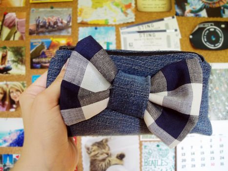 .  Sew a bow bag in under 120 minutes by sewing Inspired by gifts, clothes & accessories, and bows. Version posted by dommie. Difficulty: Simple. Cost: Absolutley free.