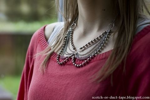 .  Make a chain collar necklace in under 40 minutes by jewelrymaking Inspired by clothes & accessories. Version posted by TesaJanuska. Difficulty: Simple. Cost: No cost.