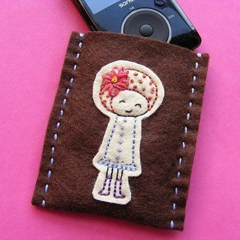 Protect your MP3 player, your phone, your tablet and more with a custom-made cozy. .  Free tutorial with pictures on how to stitch an applique pouch in under 60 minutes by sewing with felt and embroidery thread. How To posted by Wendi G.  in the Sewing section Difficulty: Easy. Cost: Absolutley free. Steps: 11