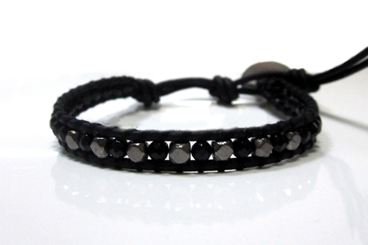 Craft diy projects cool bracelets for guys how to braid for Craft projects for men
