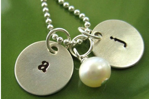 This initial necklace tutorial is going to show you a stenciled way about how to diy personalized mommy necklace as her mothers day gift.  .  Free tutorial with pictures on how to stamp a stamped metal pendant in under 100 minutes by jewelrymaking with jump rings, clasps, and pearls. Inspired by gifts and clothes & accessories. How To posted by .  in the Jewelry section Difficulty: Easy. Cost: No cost. Steps: 4