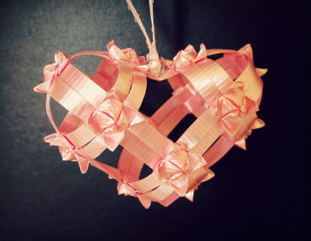 The perfect gift for a loved one! .  Make a shape plushie by paper folding and weaving with scissors, patience, and tweezers. Inspired by crafts, for girls, and for girlfriends. Creation posted by Judy.  in the Other section Difficulty: 4/5. Cost: No cost.