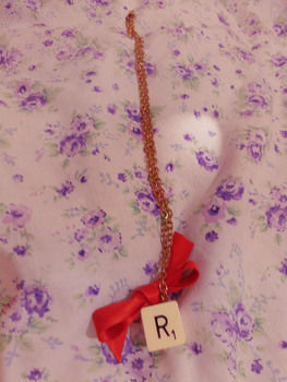 .  Make a scrabble necklace in under 5 minutes Version posted by . Difficulty: Easy. Cost: Absolutley free.
