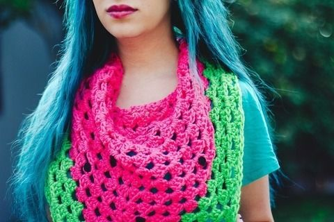 A crocheted watermelon triangle scarf .  Free tutorial with pictures on how to make a novelty scarf in 1 step by crocheting with felt, crochet hook, and worsted weight yarn. How To posted by Crissy.  in the Yarncraft section Difficulty: 3/5. Cost: No cost.