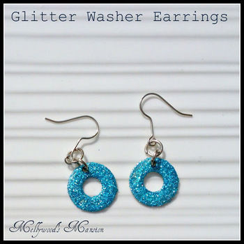 Sparkle that won't cost the earth .  Free tutorial with pictures on how to make a pair of hardware earrings in under 30 minutes by jewelrymaking with jump rings, earring hooks, and decoupage glue. How To posted by mel.leawood.  in the Jewelry section Difficulty: Easy. Cost: Absolutley free. Steps: 3