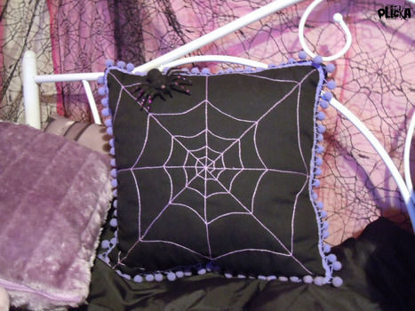 .  Make a stitched cushion in under 120 minutes by embroidering Inspired by halloween and gothic. Version posted by Plicka. Difficulty: Easy. Cost: Absolutley free.