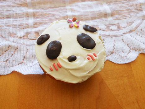 Cute cupcakes ^ ^ .  Free tutorial with pictures on how to decorate an animal cake in under 120 minutes by cooking, baking, decorating food, and cake decorating with chocolate, frosting, and sprinkles. Inspired by pandas, pandas, and cupcakes. Recipe posted by Ammelanoleuca.  in the Recipes section Difficulty: Easy. Cost: No cost. Steps: 1