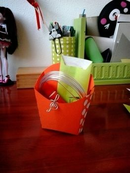 .  Make a paper box in under 10 minutes by papercrafting Inspired by gifts and vintage & retro. Version posted by Puchuu. Difficulty: Easy. Cost: No cost.