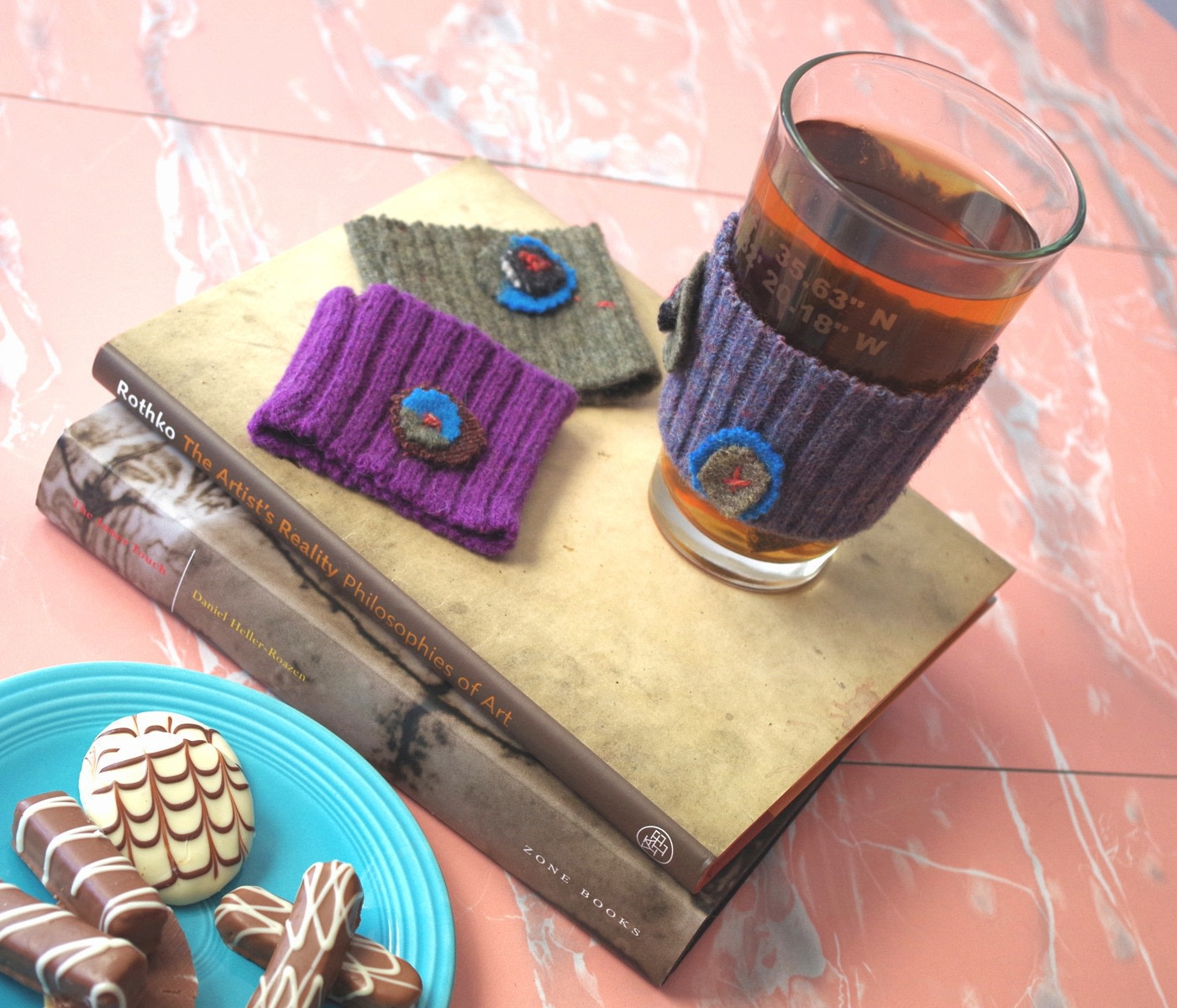 Steps To Create A Cosy Kitchen: Coffee Cup Cozy · How To Make A Mug Warmer · Sewing On Cut