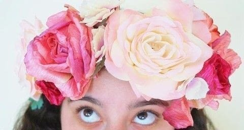 .  Free tutorial with pictures on how to make a flower crown in under 30 minutes by jewelrymaking with fake flowers, pipe cleaners, and flower. How To posted by Les Petites Chéries.  in the Other section Difficulty: Simple. Cost: Absolutley free. Steps: 8