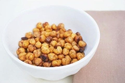.  Free tutorial with pictures on how to cook beans in under 35 minutes by cooking with garbanzo beans, salt, and black pepper. Recipe posted by Les Petites Chéries.  in the Recipes section Difficulty: Simple. Cost: Absolutley free. Steps: 5