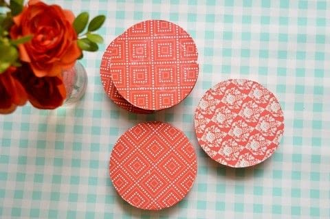 .  Free tutorial with pictures on how to make a coaster in under 20 minutes by decoupaging with paper and mod podge. How To posted by Anima P.  in the Art section Difficulty: Simple. Cost: Cheap. Steps: 5