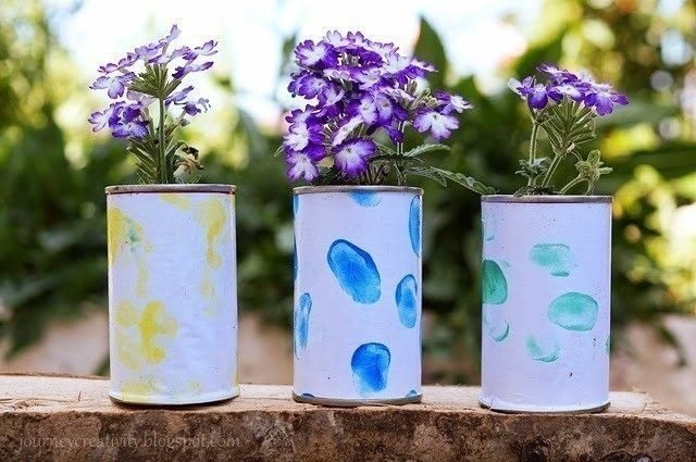 Cookies box recycled flower pots how to make a tin can for Recycled flower pots