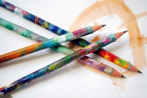 Napkin pencils .  Free tutorial with pictures on how to make a pens & pencils in under 180 minutes by decoupaging and decorating How To posted by Anna Spathari.  in the Other section Difficulty: Simple. Cost: Absolutley free. Steps: 5