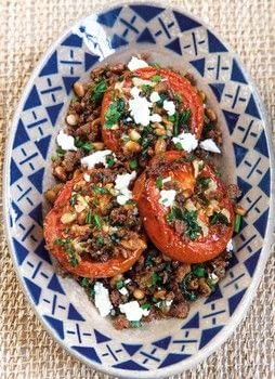 Eat Greek for a Week .  Free tutorial with pictures on how to make a salad in under 135 minutes by cooking with tomatoes, garlic cloves, and extra virgin olive oil. Inspired by greece. Recipe posted by Blink Publishing.  in the Recipes section Difficulty: Simple. Cost: Cheap. Steps: 4