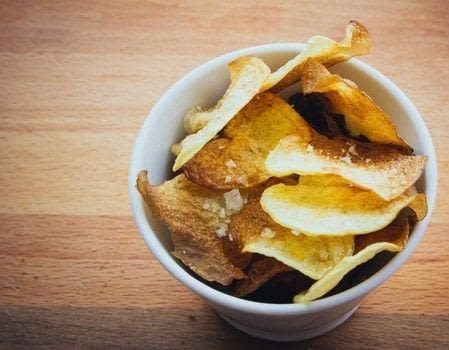 Homemade baked potato chips .  Free tutorial with pictures on how to cook potato chips in under 10 minutes by cooking and baking with potato, coarse sea salt , and olive oil spray. Recipe posted by seefoodplay.  in the Recipes section Difficulty: Easy. Cost: Absolutley free. Steps: 3