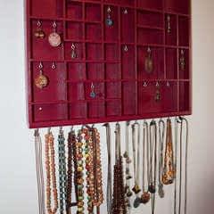 Transform A Tray Into A Jewelry Display