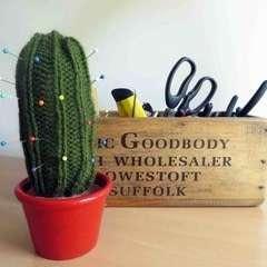 Knitted Cactus Pincushion