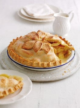 Mary Berry Cookery Course .  Free tutorial with pictures on how to bake an apple pie in under 45 minutes by cooking and baking with plain flour, margarine, and cold water. Recipe posted by DK Books.  in the Recipes section Difficulty: Simple. Cost: 3/5. Steps: 11