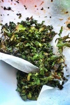 Addictive and healthy kale chips with soy sauce, cayenne pepper and olive oil .  Free tutorial with pictures on how to cook kale chips in under 5 minutes by cooking and baking with kale, olive oil, and soy sauce. Recipe posted by Cat Morley.  in the Recipes section Difficulty: Simple. Cost: Absolutley free. Steps: 2